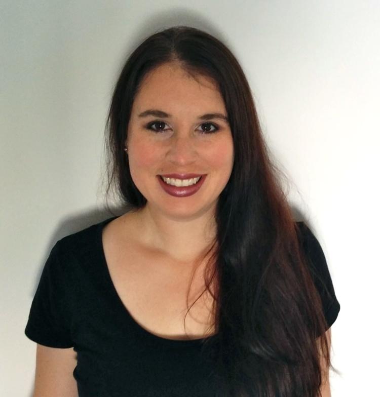 Dr Paula Dumas